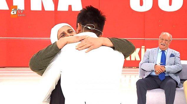 Askerden döndükten sonra da iş bulmak için İzmir'e gitmiş ancak abisi herkesi toplayıp arkasından gelmiş.
