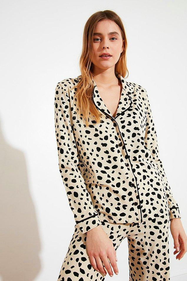 7. Leopar baskılı pijama takımı, leopar aşkından asla vazgeçemeyenler için...