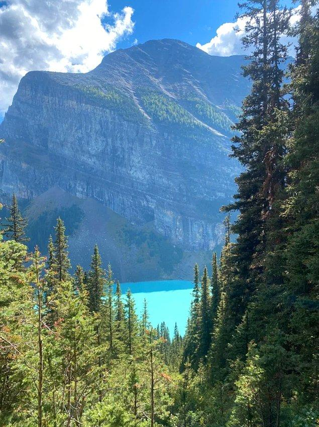 """1. """"Yıllardır Alberta, Kanada'ya gitmek için hayal kuruyordum. Sonunda Louise Gölü'ne gidebildim."""""""