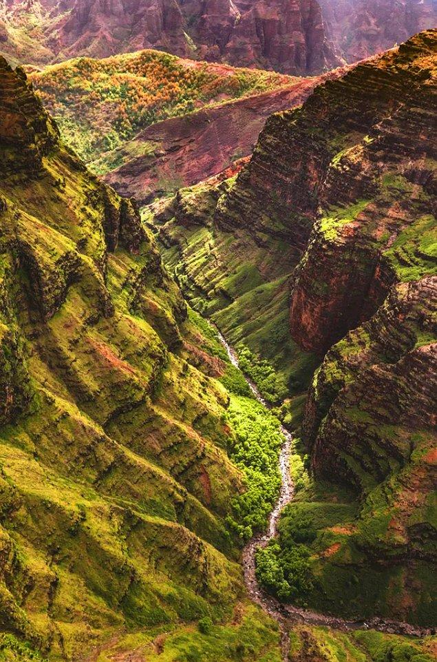 14. Waimea Kanyon - Hawaii: