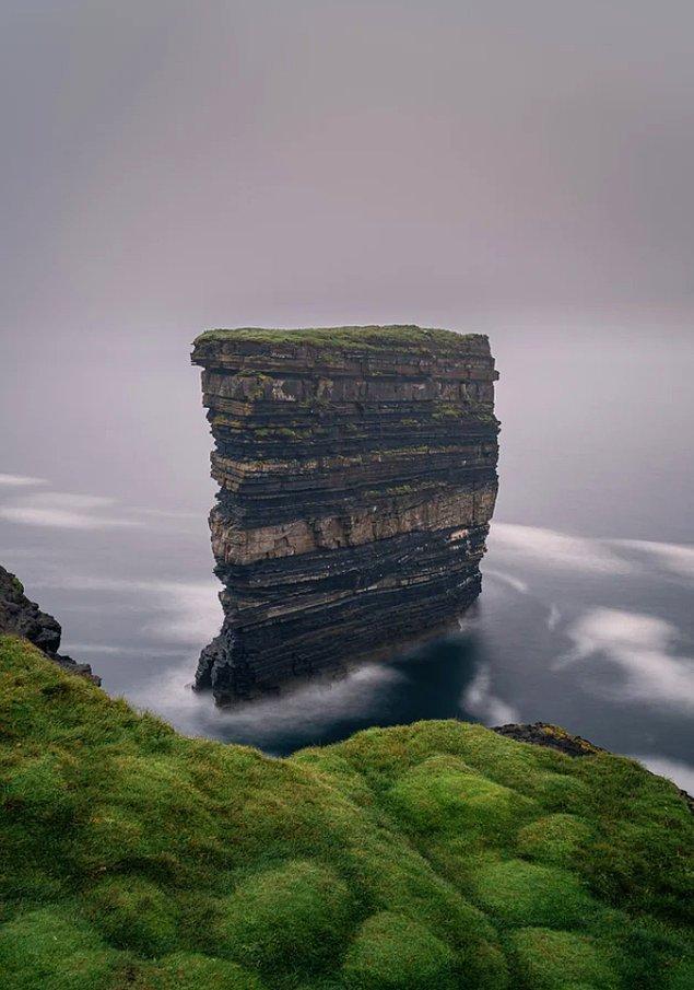 15. Dún Briste Sea Stack - İrlanda: