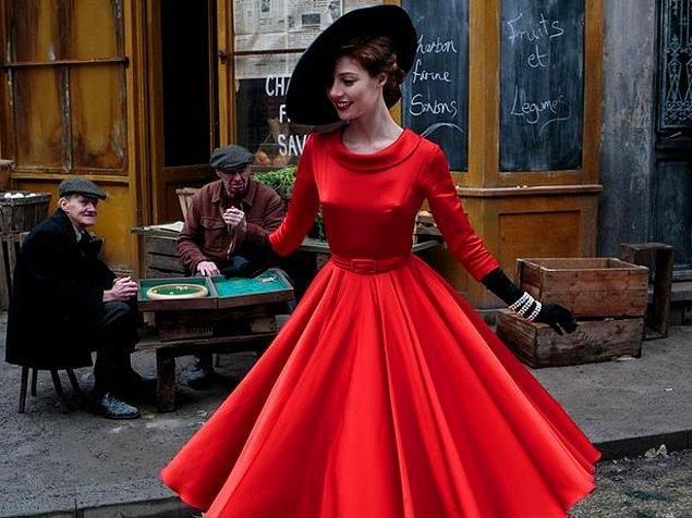 8. Kırmızı giyen insanlara daha çok dikkat edilir.