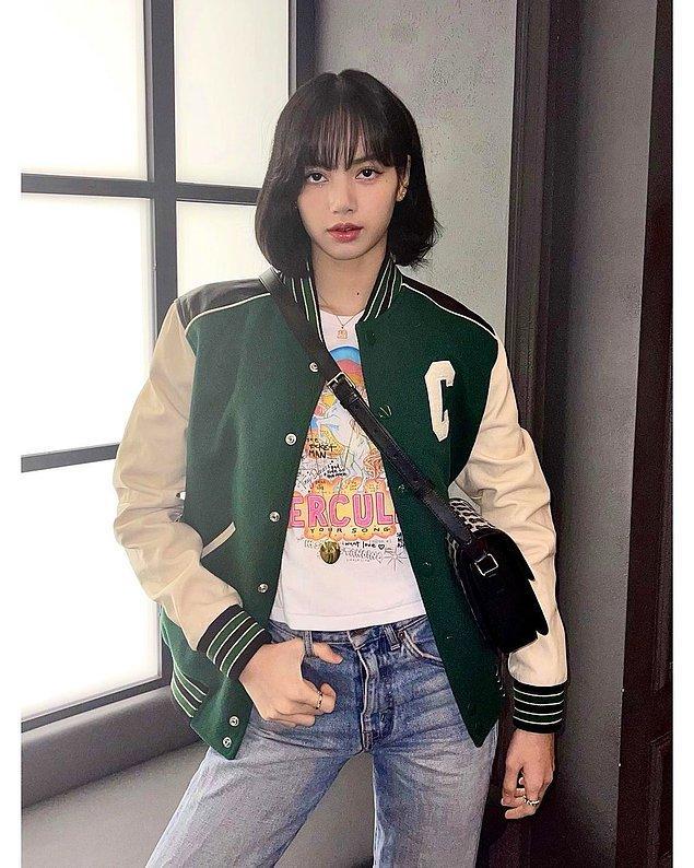 6. K-pop starı Lisa'nın üzerindeki gibi bomber ceketler oldukça seviliyor.