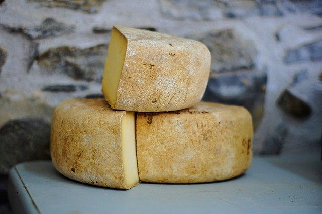 4. Peynir, yazı dilinden önce ortaya çıkmıştır.