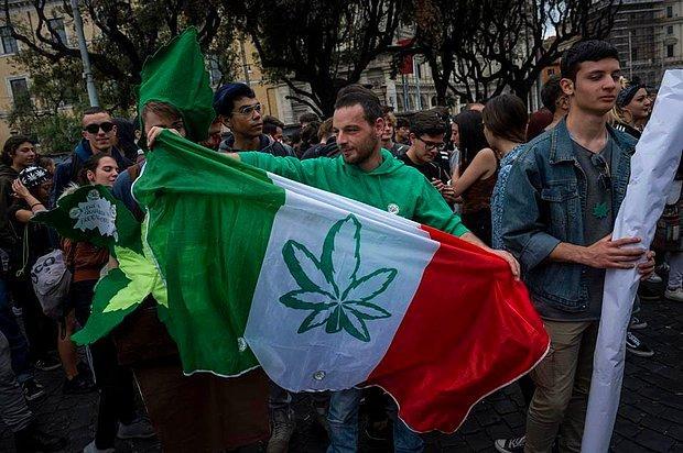 500 Bin İmza Toplandı: İtalya Esrar Kullanımının Yasallaşması İçin Referanduma Gidecek!