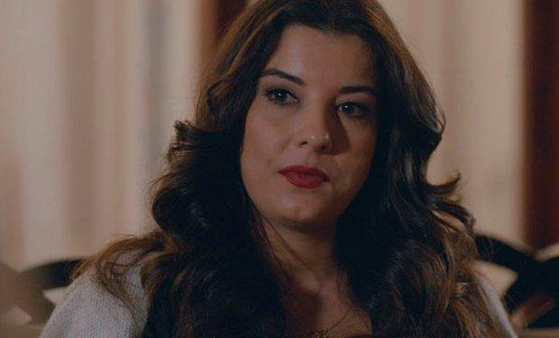 Çukur'un Ayşe'si İrem Altuğ'dan Çok Konuşulacak İtiraf: Kocalarımla Yaşıyorum!