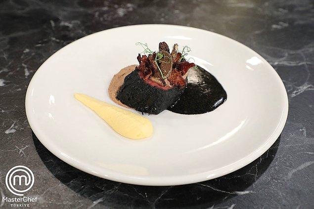 Somer Şef'in deyimiyle şimdiye kadarki en zor eleme yemeği olan Mehmet Şef'in imza yemeği olan Gece Gibi Siyah 👇