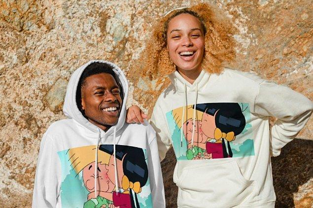 3. Sevgiliniz veya arkadaşanızla birlikte sevdiğiniz bir karakterin fotoğrafını kullanarak hoodie tasarlayabilirsiniz.