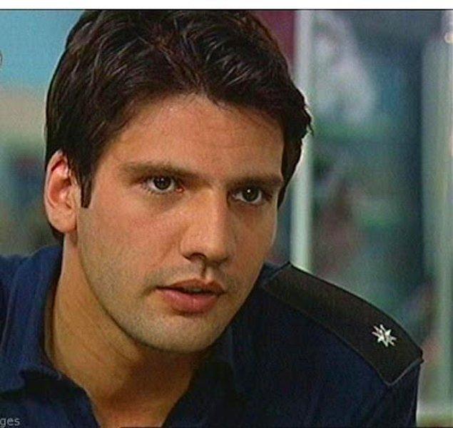 2006 yılında ünlü oyuncu 'Ah Polis Olsam' dizisine Komiser yardımcısı Nezih karakterine hayat vermiş ve yine aynı yıl 'İlk Aşk' filminde Arif Ege'yi oynamıştı.