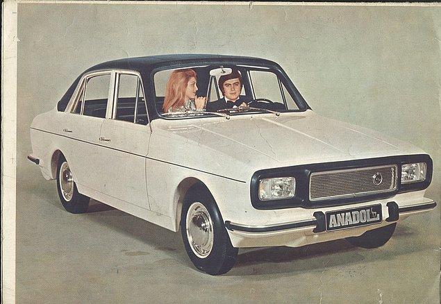 Bu rağbet karşısında Otosan ikinci Anadol olan 4 kapılı A2'yi üretti ve dünyada tamamı fiberglass olan ilk sedan otomobil olarak kayıtlara geçti.