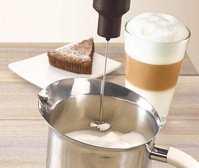 Evinizin baristası olup sosyal medyada TikTok kahveleri yapabilmek için bu aparat yeter de artar.👇🏻
