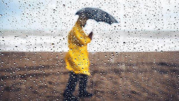 Meteoroloji'den Sarı Alarm Verildi! Sıcaklık Düşüyor, Kuvvetli Yağış Geliyor