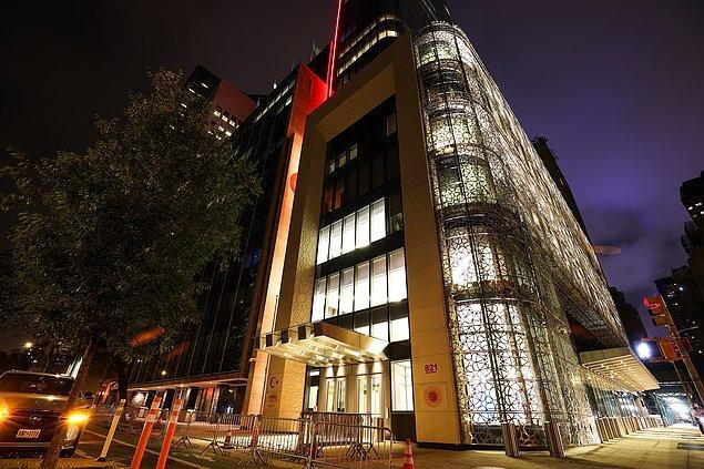 Yapımı için yaklaşık olarak 291 milyon dolar harcanan görkemli binayla ilgili siz ne düşünüyorsunuz?