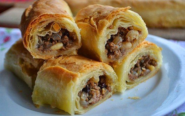 3. Çeşit çeşit her damak zevkine uygun Sarıyer böreği.