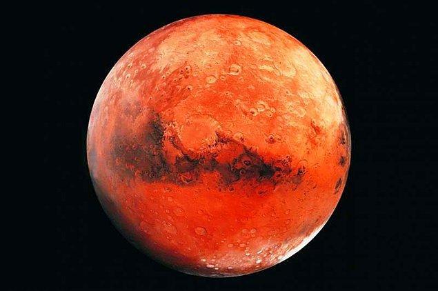 Ancak bu yüzey suyunun tamamı, yaklaşık 3,5 milyar yıl önce, Mars atmosferinin büyük bir kısmıyla birlikte buharlaşıp gitmişti.