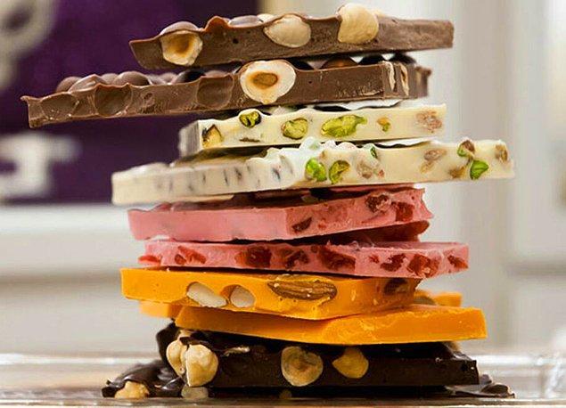 11. Vücudunuzdaki serotonini arşa çıkaracak Beyoğlu çikolataları!