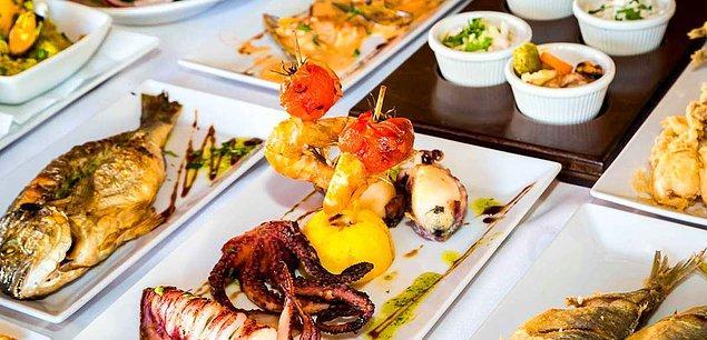 16. Kumkapı'da denizden babanızı bile yiyeceğiniz lezzetler!
