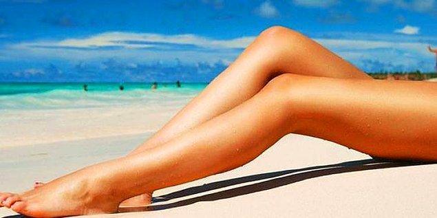 5. Bacaklarınızın ışıltısı ile göz kamaştırın.