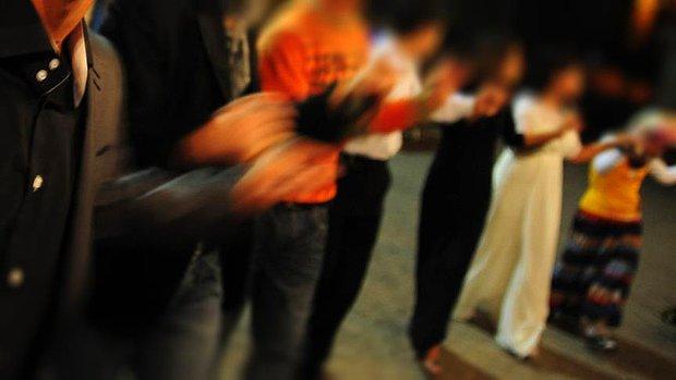 Düğünde Oynayarak Çekim Yapan Kameramana Tazminat Cezası