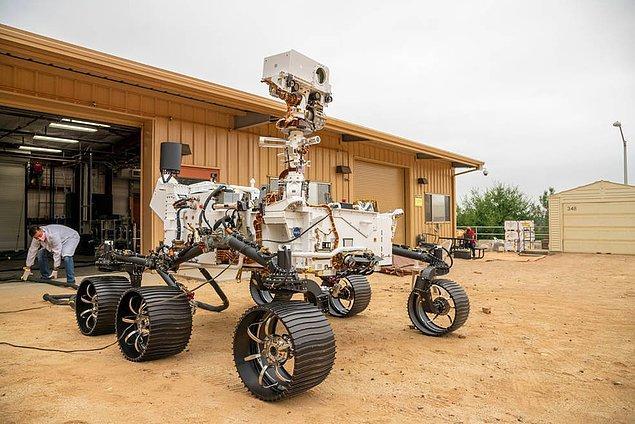 Mars'a gönderilen keşif araçlarından çok daha farklı bir görünüme ve işleyişe sahip.