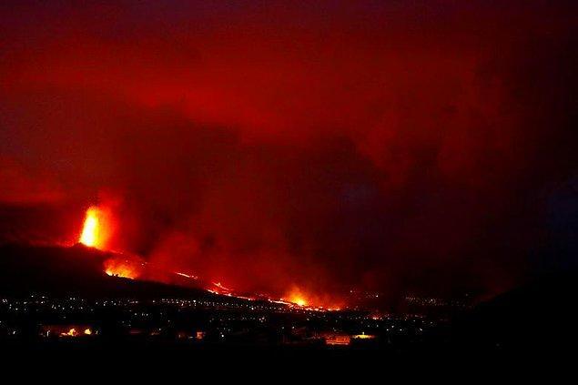 Yanardağdan çıkan lavlar çevre bölgelerdeki yerleşim yerlerine ulaştığı için 5 bin kişinin tahliye edildiği ve 100 evin zarar gördüğü biliniyor.