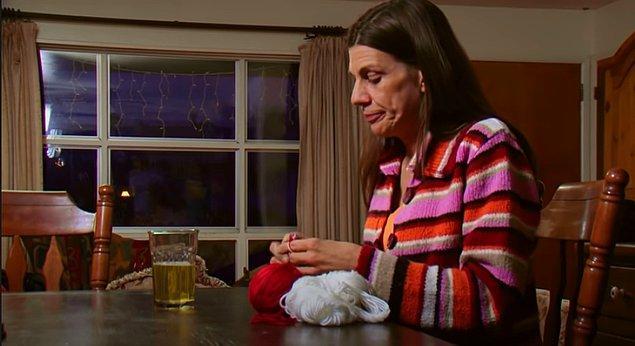 İdrar içmenin tıbben kansere iyi geldiğine dair kanıt olmamasına ve hiçbir doktor onayı almadan bu işleme başlamasına karşın Carrie, idrar içmenin kendisine iyi geldiği görüşünde.