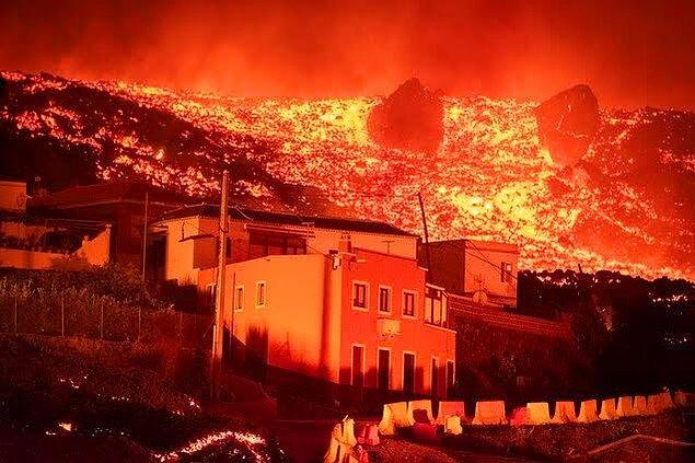 14. 50 yıl sonra ilk kez geçtiğimiz günlerde patlayan Kanarya Adası yanardağı: