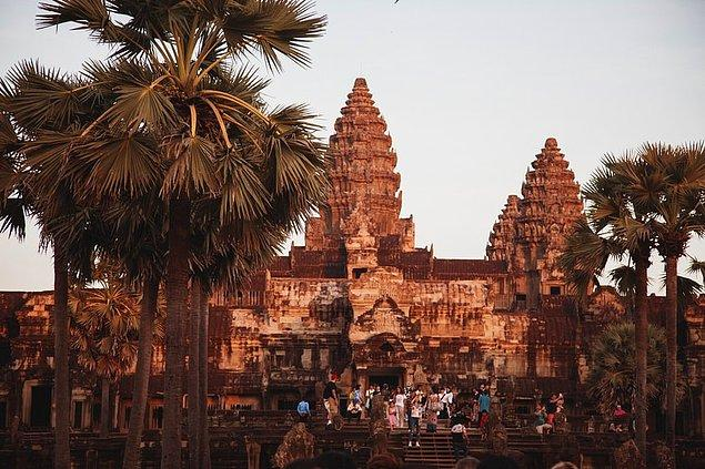 6. Angkor Wat, Kamboçya
