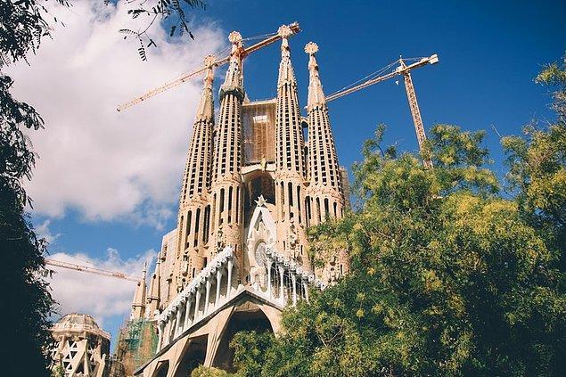 10. Sagrada Familia, Barselona