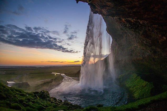 13. Seljalandsfoss Şelalesi, İzlanda