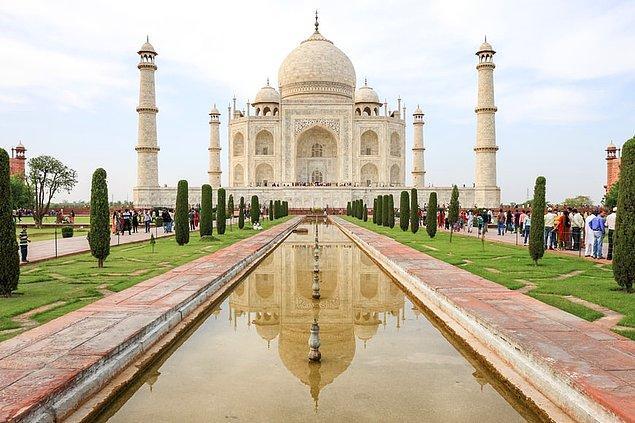 16. Taj Mahal, Agra, Hindistan