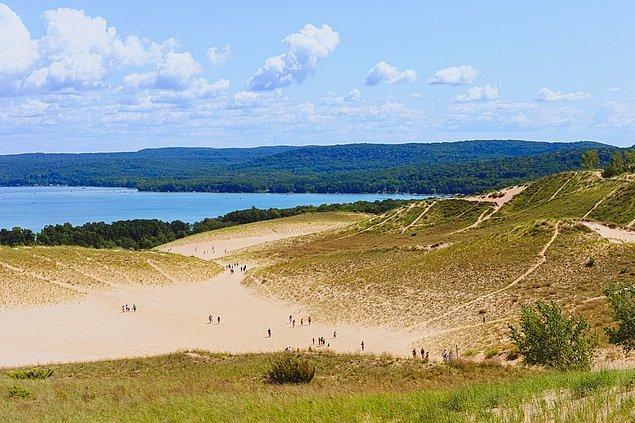 28. Sleeping Bear Dunes Ulusal Göl, Michigan