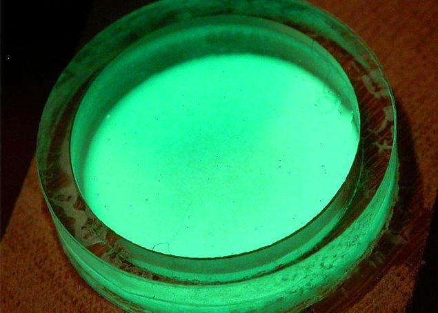 29. Prometyum elementi o kadar nadir ki dünya yer kabuğunda sadece 500-600 gram kadar bulunduğu tahmin ediliyor.