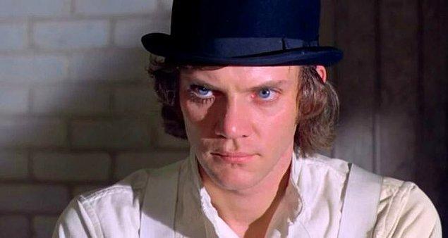 A Clockwork Orange yıldızı Malcolm McDowell, filmi tekrar izlemek zorunda olmamaktan memnun