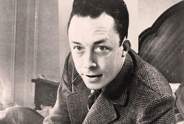 17. Albert Camus, 17 yaşına kadar futbol oynamıştır ancak vereme yakalandığı için futbolu bırakmak zorunda kalmıştır.