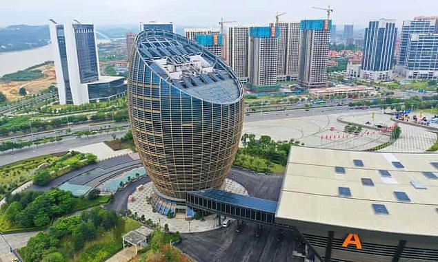 9. Yumurta şeklinde ofis binası -  Liuzhou / Guangxi
