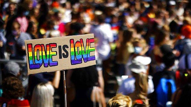 Halkın yüzde 63'ü eşcinsel evlilikleri onaylıyor