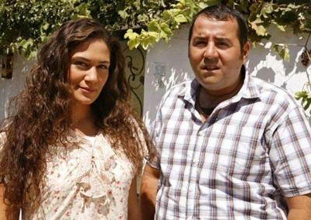 Eyyvah Eyvah filminde başrolü paylaştığı Özge Borak'la büyük aşk yaşadı.