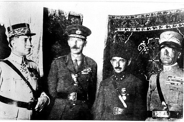 """Ve bildiğiniz üzere Mudanya'da alınan kararlarla Türklerin Avrupa'dan """"def etme"""" projesi çöker. Ayrıca bu durum Lloyd George hükumetinin çöküşünün de başlangıcı olur."""