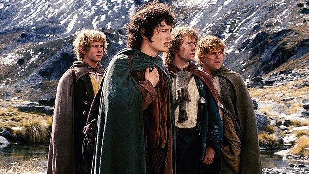 1. The Lord of the Rings: The Fellowship of the Ring / Yüzüklerin Efendisi: Yüzük Kardeşliği (2001) - IMDb: 8.8