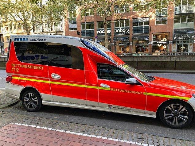 6. Almanya'daki bir ambulans: