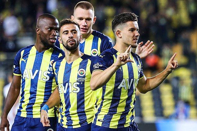 3 maç sonra kazanan F.Bahçe'de Ferdi Kadıoğlu, sezonun en erken golünü kaydederken, Mesut Özil Kadıköy'de ilk kez gol sevinci yaşadı.