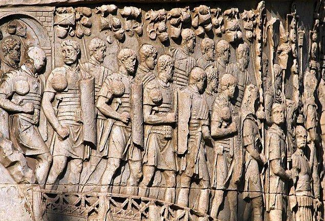 8. Roma lejyonlarının eski gücünü yitirmesi.
