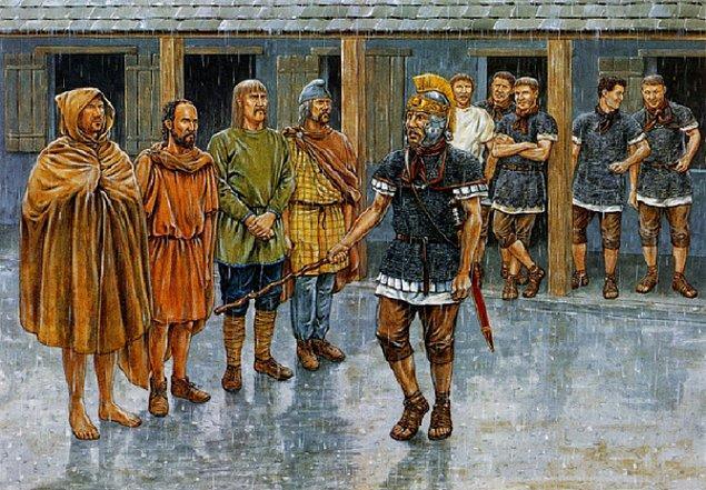 Lejyon safları zamanla Cermen Gotlar ve diğer barbarlardan oluşmaya başladı.