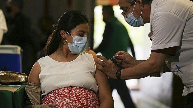 Araştırma: Aşılanan Hamile Kadınların Bebekleri Yüksek Antikor Seviyeleriyle Doğuyor