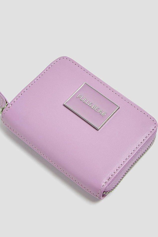 15. Pull & Bear cüzdan alacaksanız lila cüzdan tam size göre...