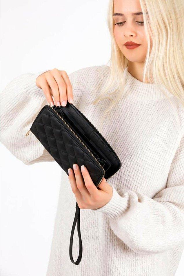 16. Siyah renk fermuarlı kapitone cüzdan çok şık.