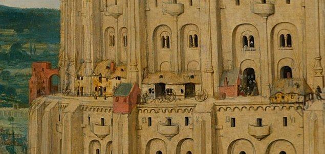 Buna ilaveten Romanesk mimariyle harmanlanmış taş kule üzerine döşenen konutlar...