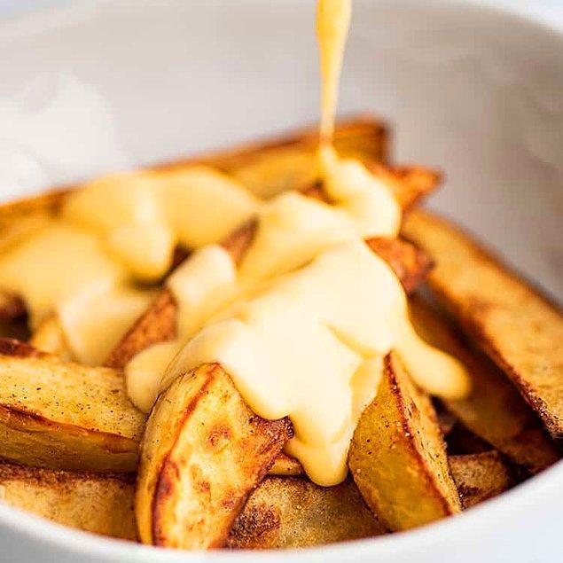 Cheddar Soslu Fırın Patates