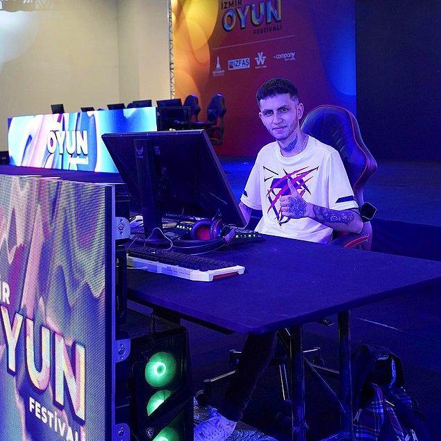 Cizzx ve VPNCNP 1v1 CS: GO gösteri maçı büyük bir heyecana sahne oldu! Thunderbolts Gaming